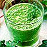 Kale, bayam dan smoothie buah