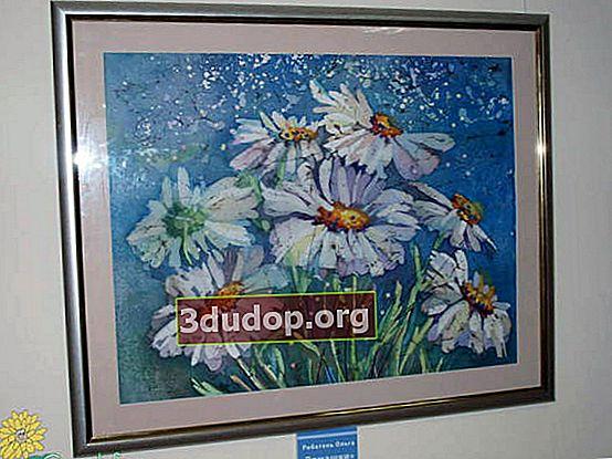"""Utställning av blommakollage och batik """"Det andra livet av blommor"""""""